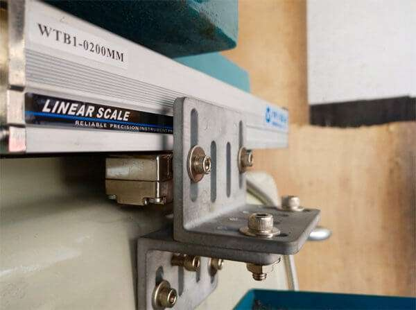 linear scale on grinding machine